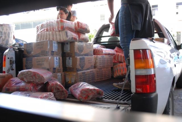 Entrega dos Alimentos Doados