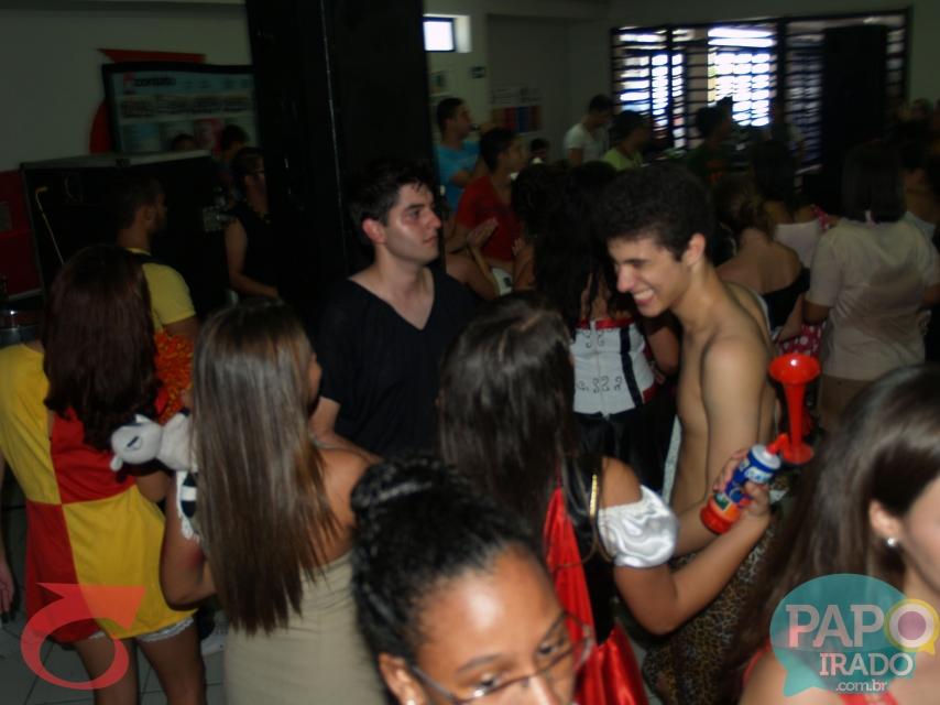 Contato Carnaval Médio