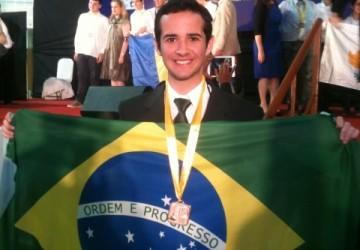 Aluno NAVE conquista bronze em Olimpíada Internacional de Ciências