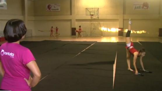 Atletas se preparam para o Campeonato de Ginástica Rítmica